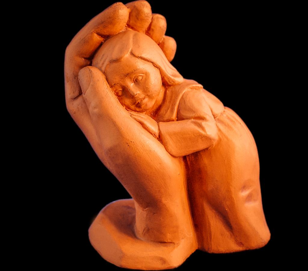 Dorothea Steigerwalds Figur: Geborgen in Gottes Hand