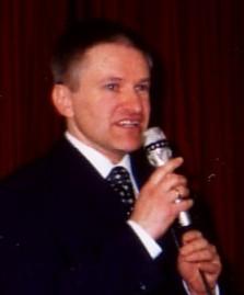 Pfarrer Schütz beim anschließenden Empfang