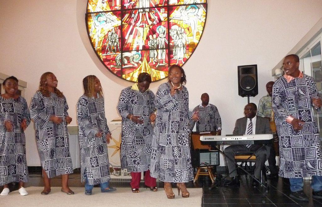 """Der Chor """"Stimme Afrikas"""" gestaltete den Taufgottesdienst mit"""