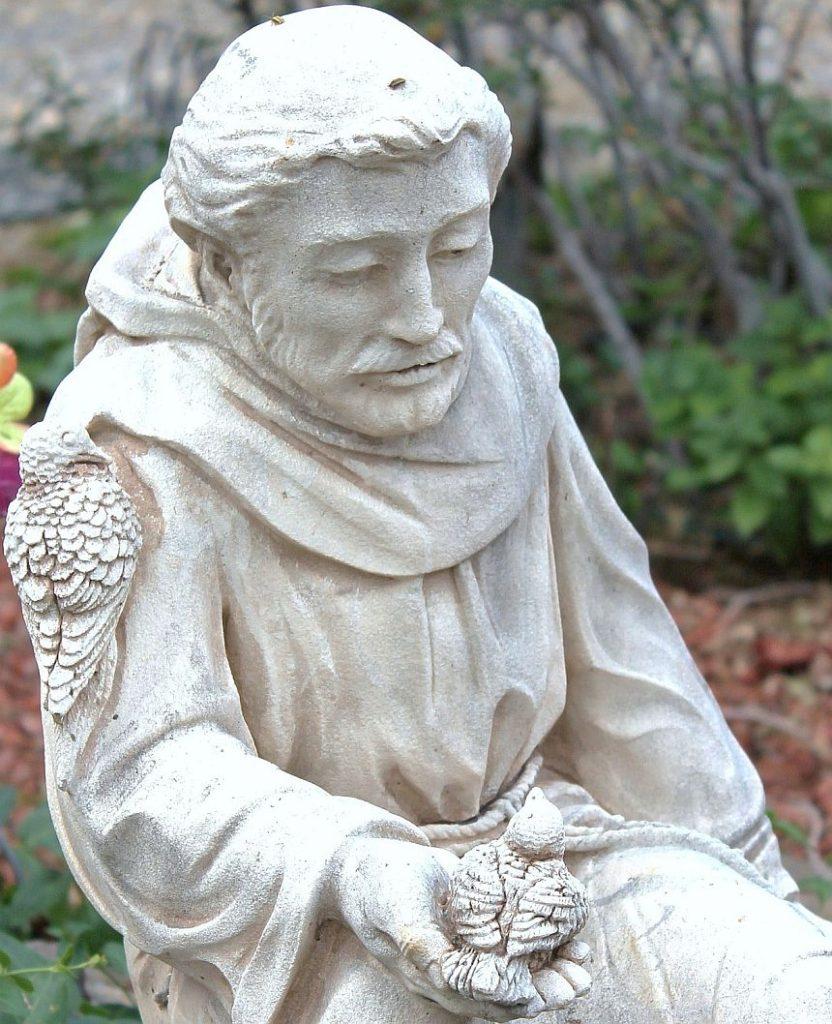 Statue von Franziskus von Assisi