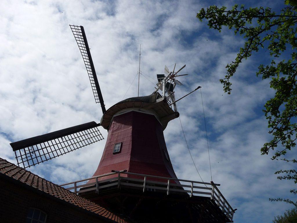 Die Windmühle in Greetsiel, die noch in Betrieb ist und von der Familie Schoof bewirtschaftet wird