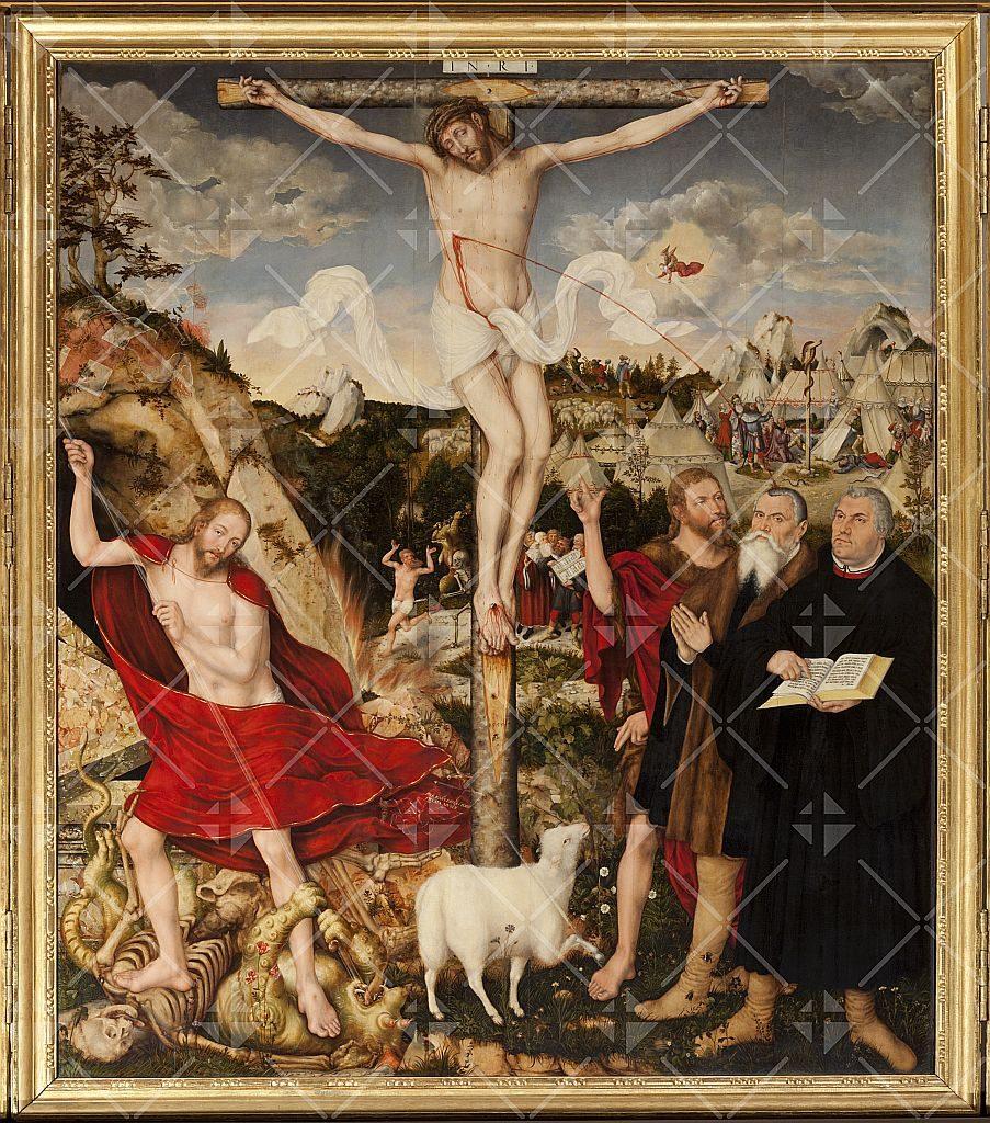 Gesamtes Kreuzigungsbild von Lucas Cranach mit dem Blutstrahl, der auf Johannes den Täufer, Lucas Cranach und Martin Luther spritzt.